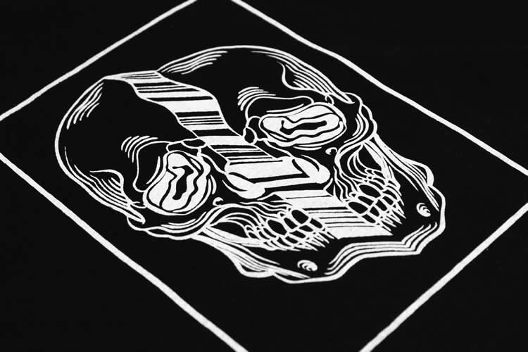Distorted Skull Black Tee Detail