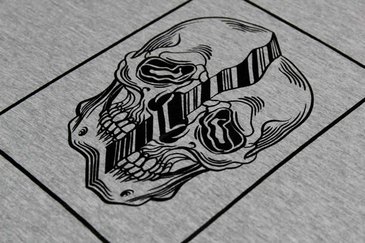 Distorted Skull Grey Tee Detail